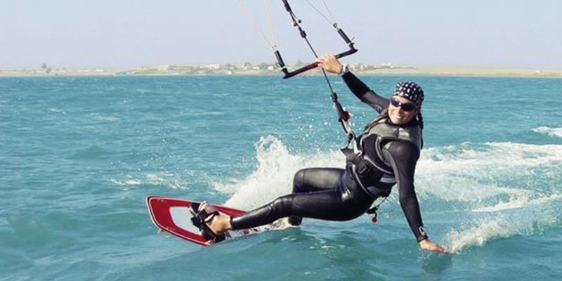 kitesurfing 6 hours private class by kiteclub
