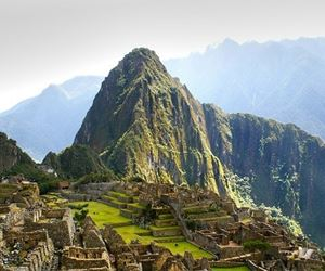 SACRED VALLEY WITH MACHUPICCHU 2D/1N