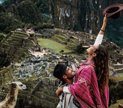 Tour by train to Machu Picchu 1 day small group